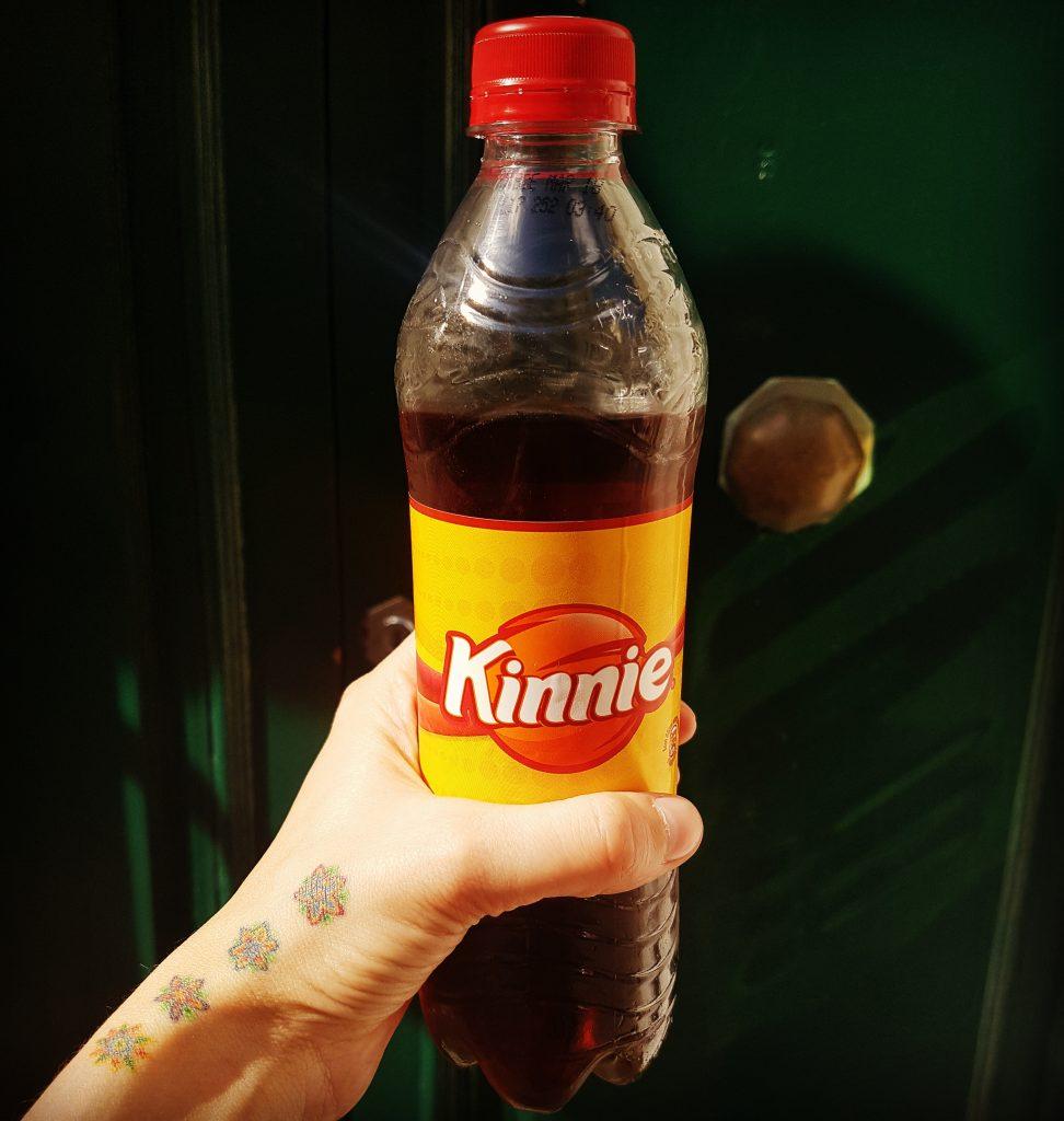 Kinnie - băutură locală din portocale amărui și mirodenii