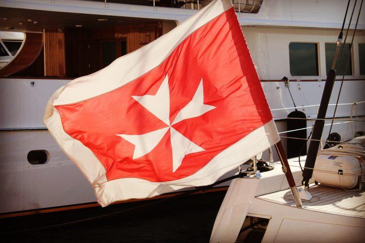 Steagul Cavalerilor de la Malta,