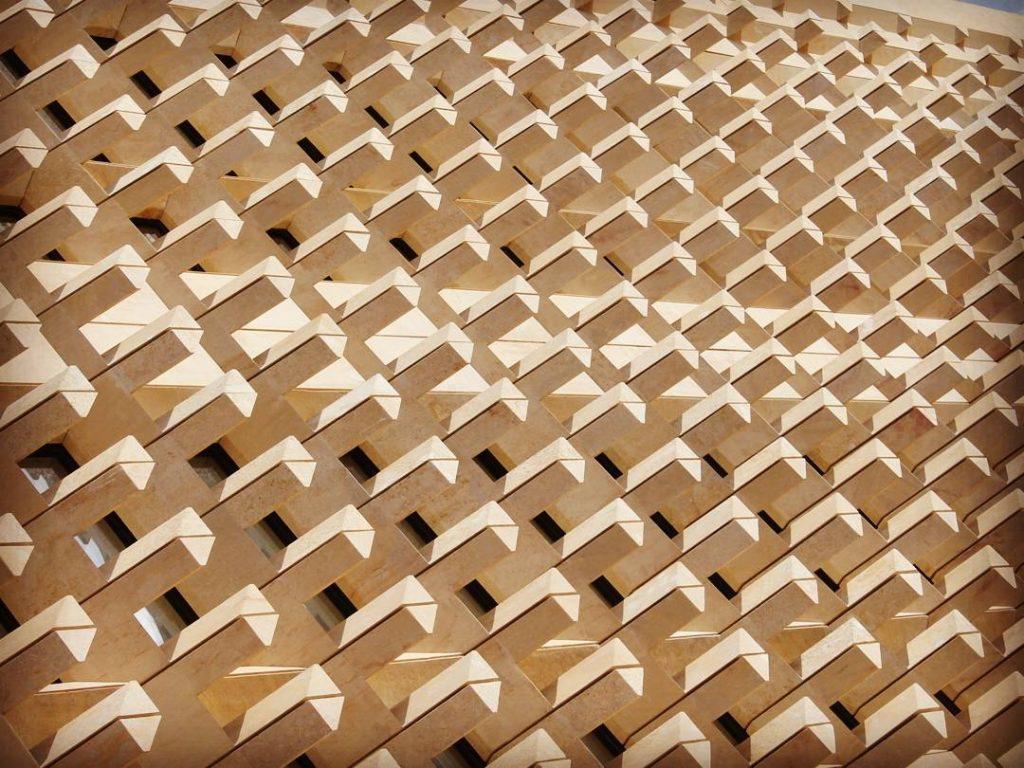 """Design cu """"solzișori"""" de Renzo Piano"""