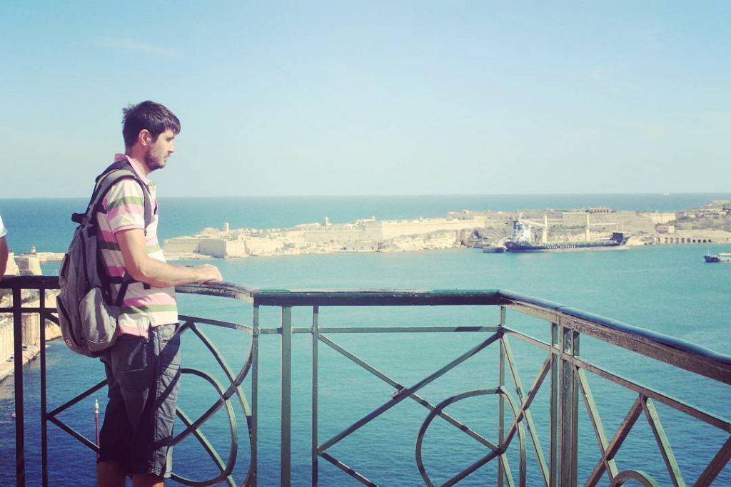 De la balconele Barrakka de Sus priveliștea este foarte frumoasă...