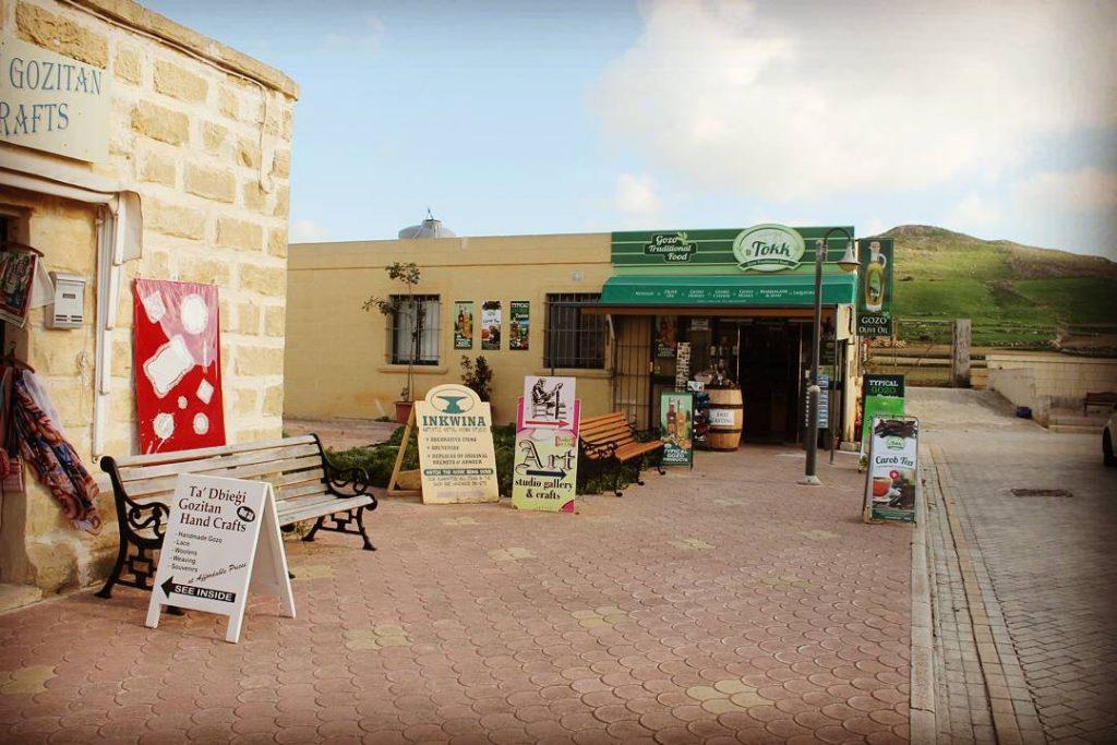 Ta' Dbiegi Crafts Village din Gozo