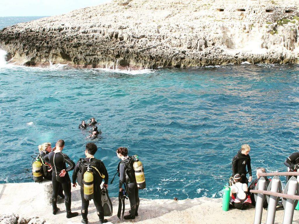 Diving la Wied iż-Żurrieq
