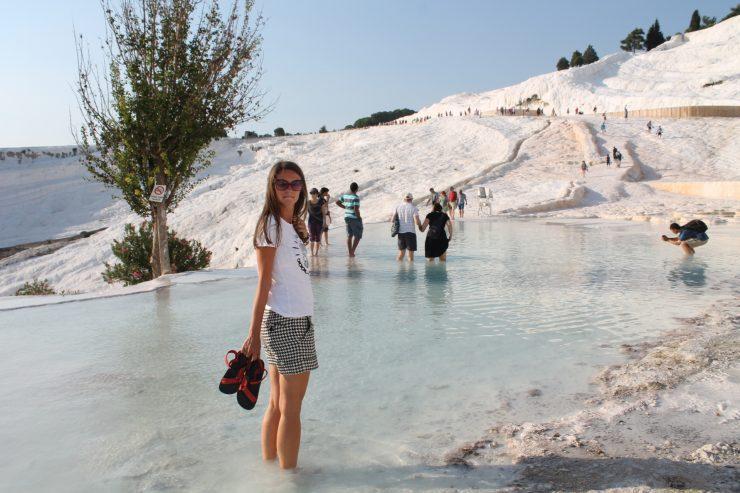 Traversând lacurile turquoise de la Pamukkale