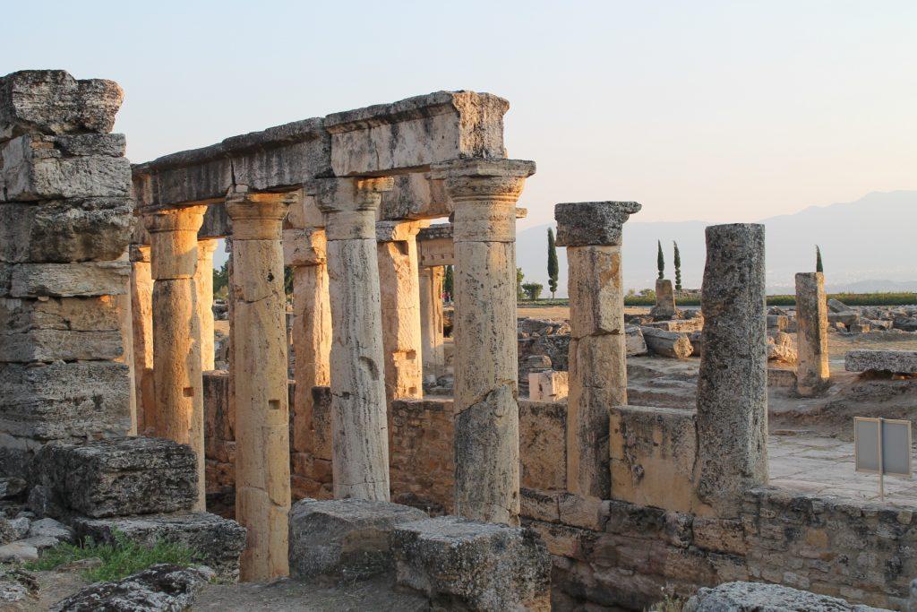 Coloanele de la Hieropolis