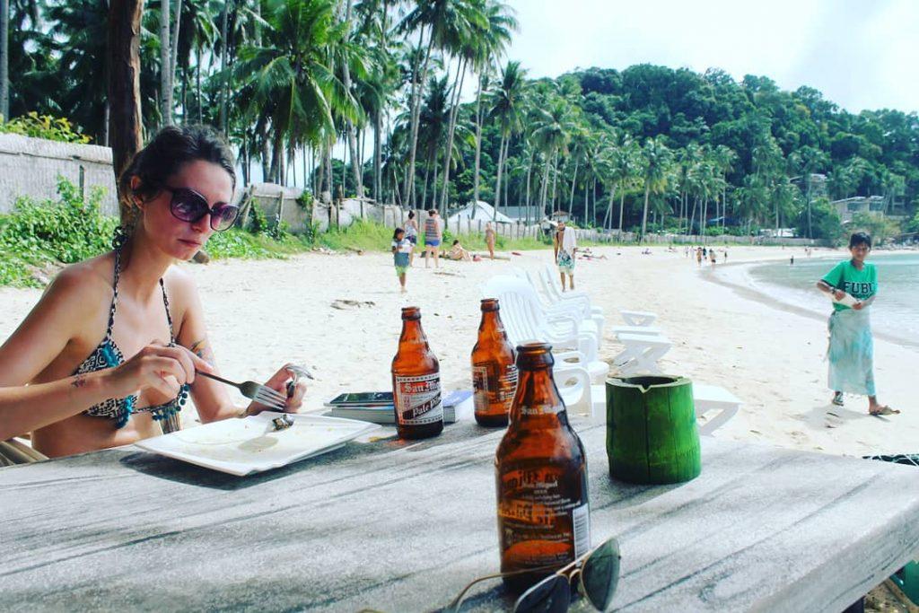 Sun Bar, Las Cabanas. San Miguel în loc de apă