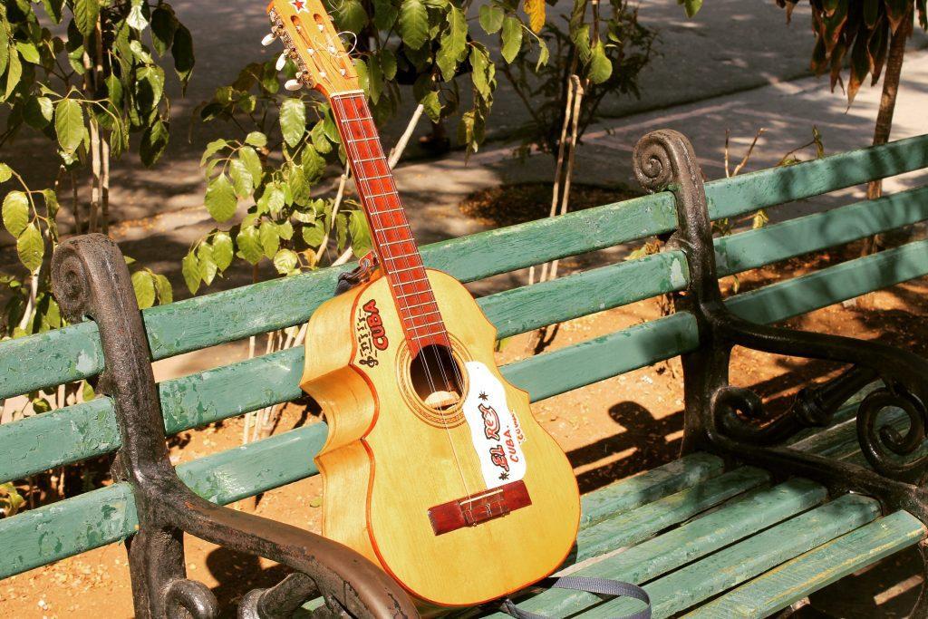 În parc, în Santiago de Cuba
