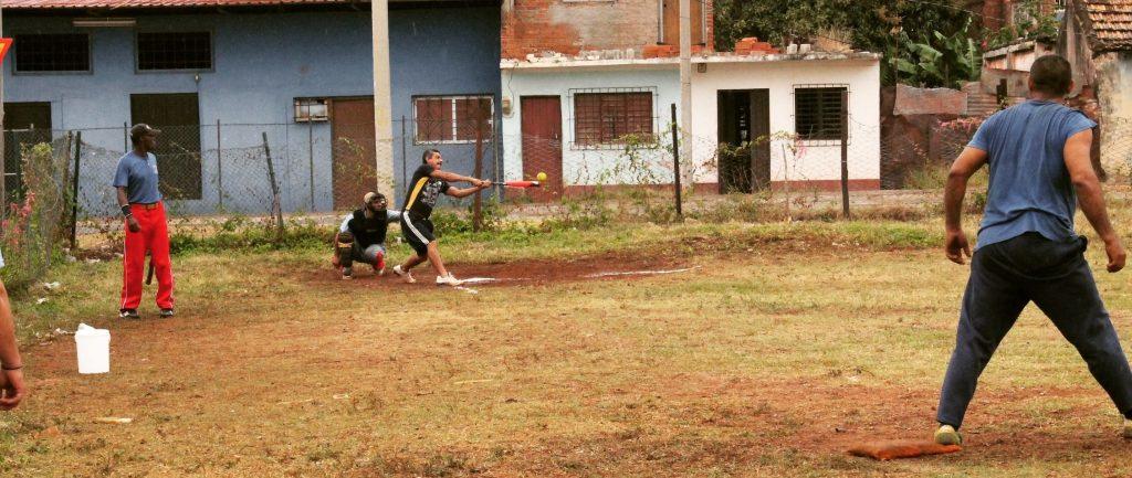 Cubanezi pe terenul de baseball