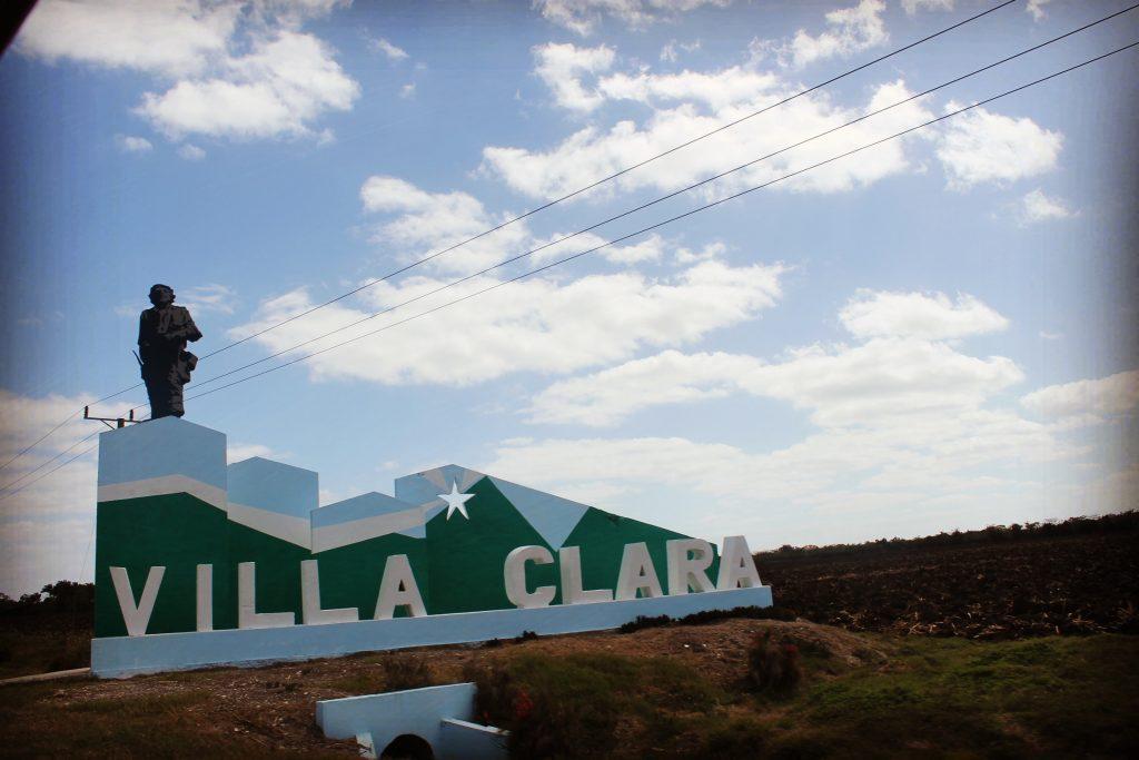 Intrarea în Villa Clara