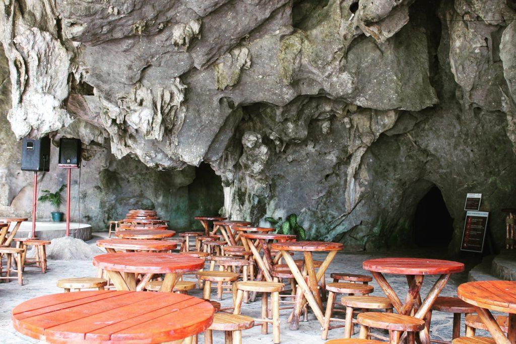 Cubanezii pot pune de-un bar în cele mai neobișnuite locuri