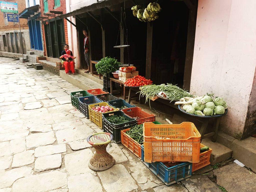 Piață în stradă