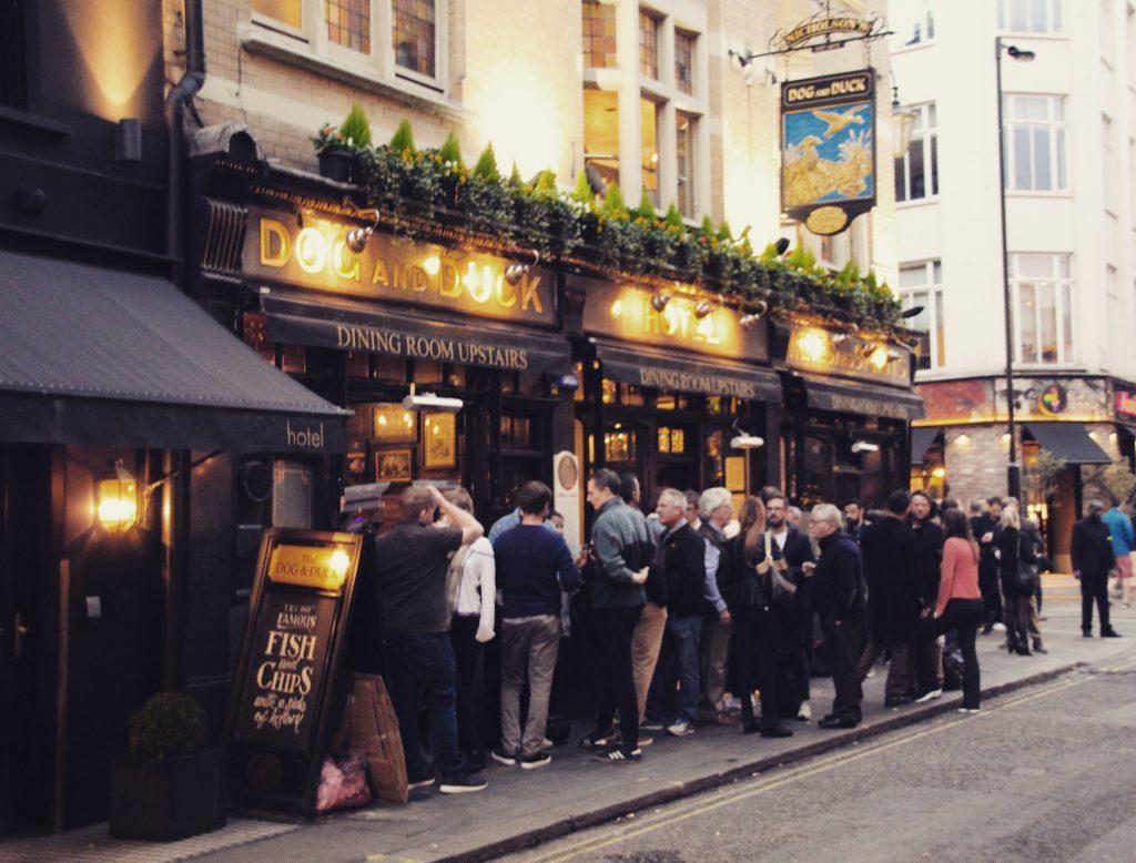 Pub-urile englezești