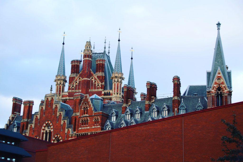 Turnulețe din clădirea gării