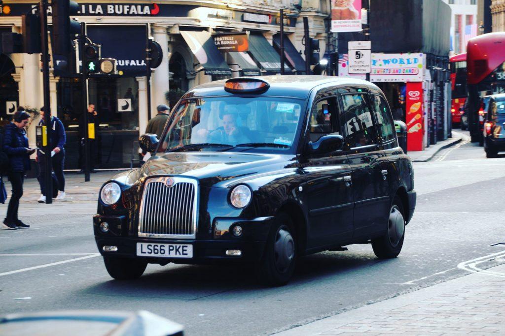 Taxiurile din Londra