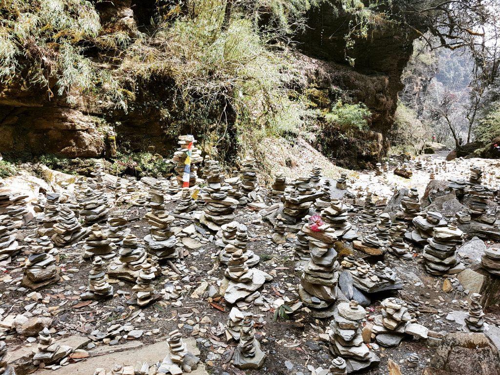 Aranjamente de pietre pentru noroc