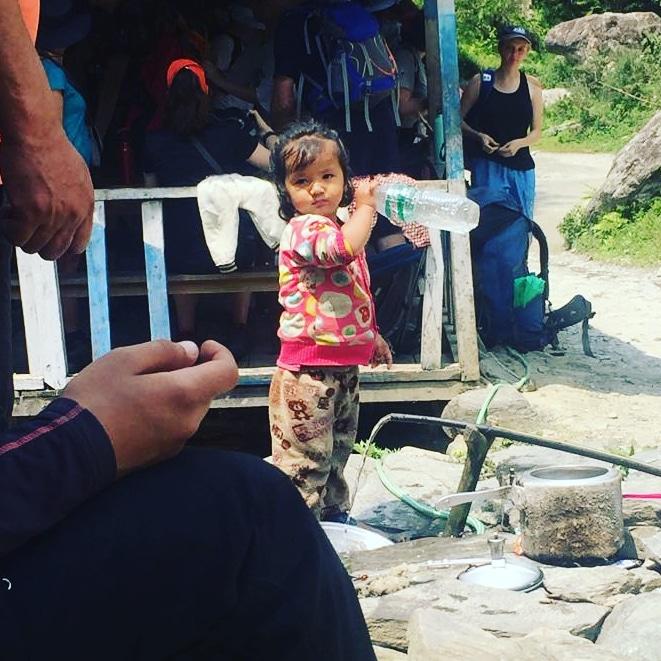 Un lucru incontestabil în Nepal: copiii frumoși