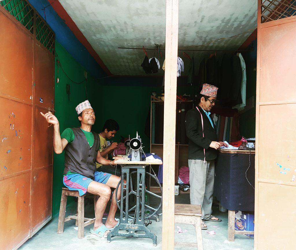 Hainele și textilele încă sunt o tradiție în Bandipur