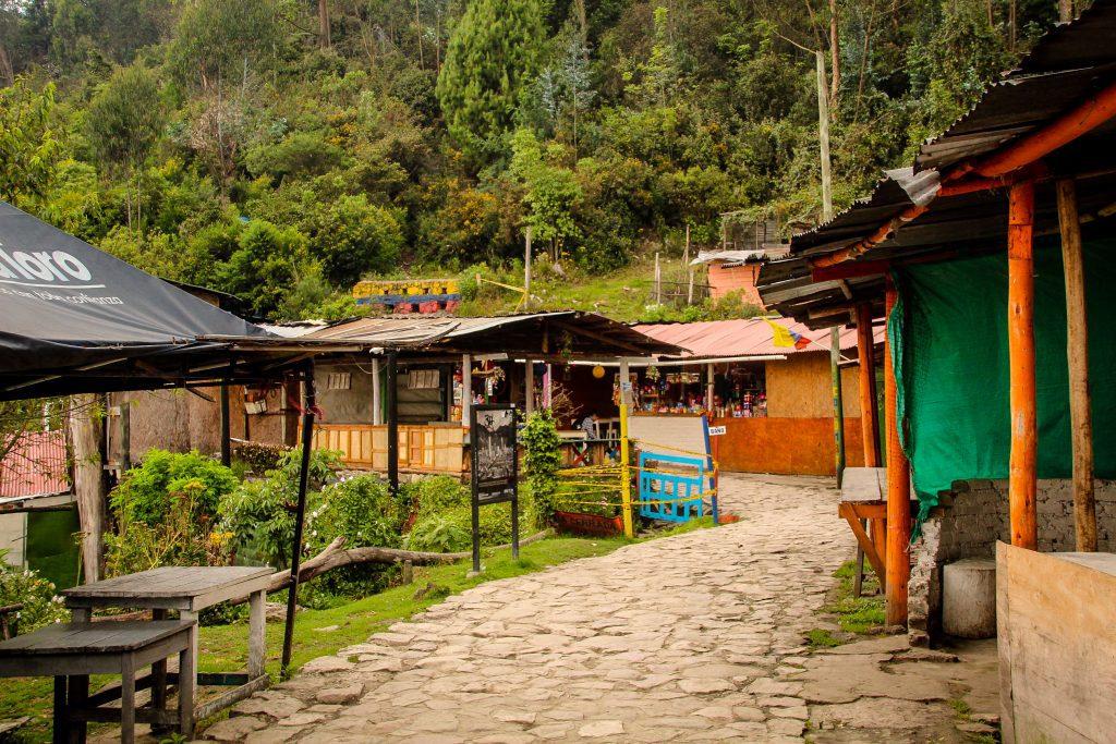 Urcușul pe Cerro de Monserrate