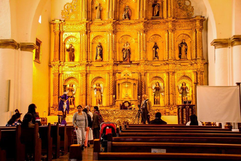 Altarul de la Iglesia Nuestra Señora del Rosario