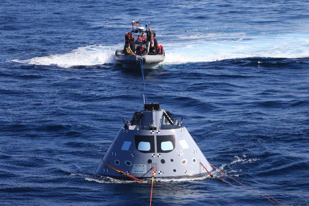 Recuperarea Orion Sursă foto: www.nasa.gov / Media Resources.