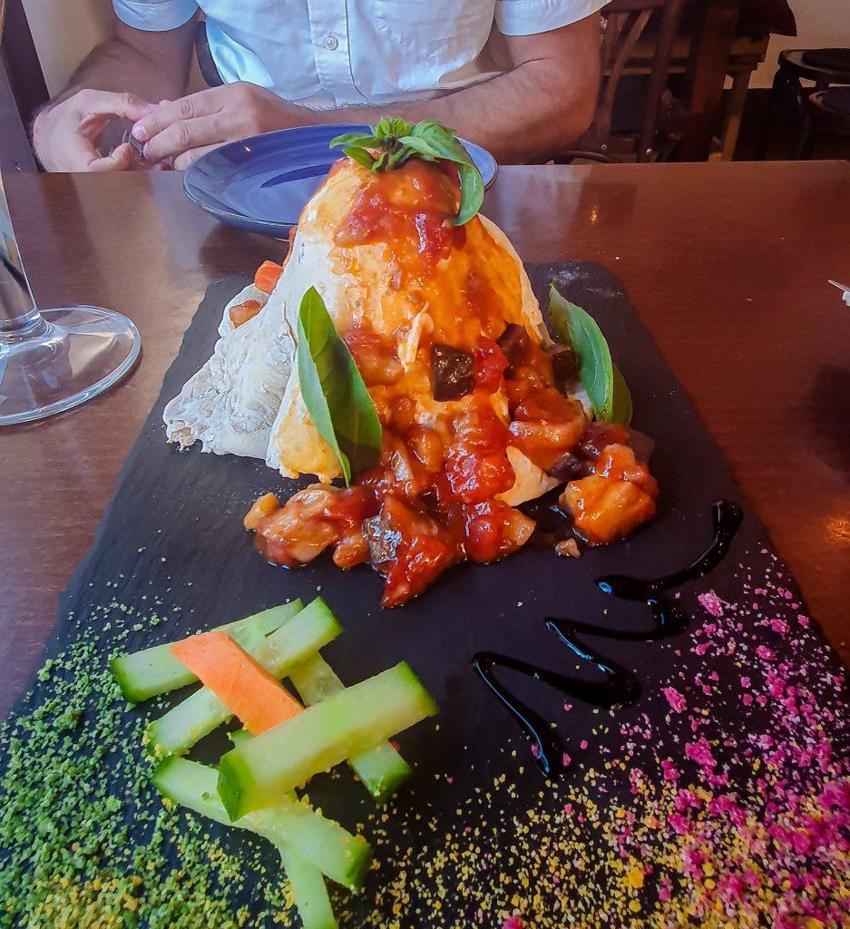 Mâncare în formă de vulcan, La Laguna