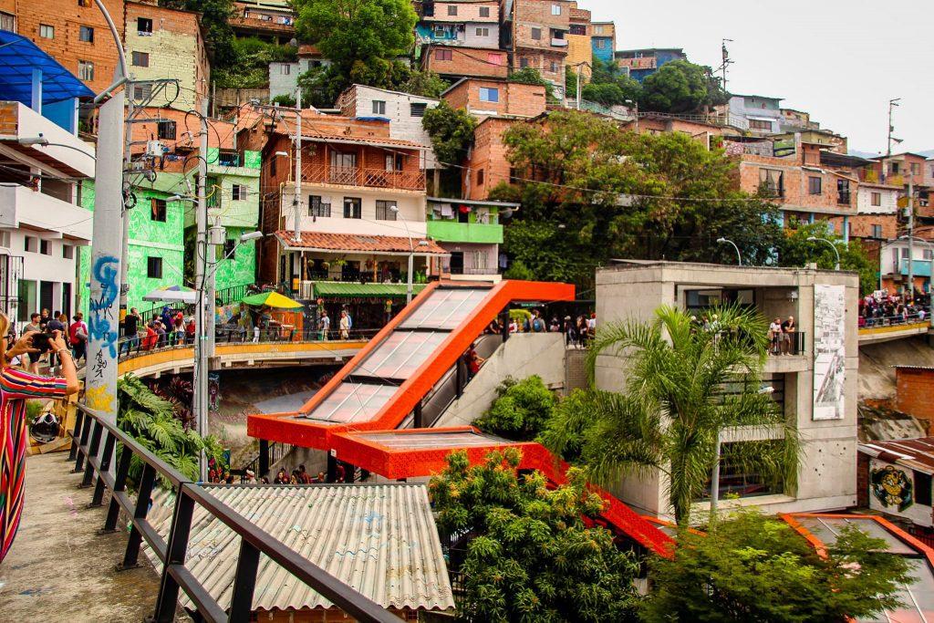 Scările rulante din Comuna 13