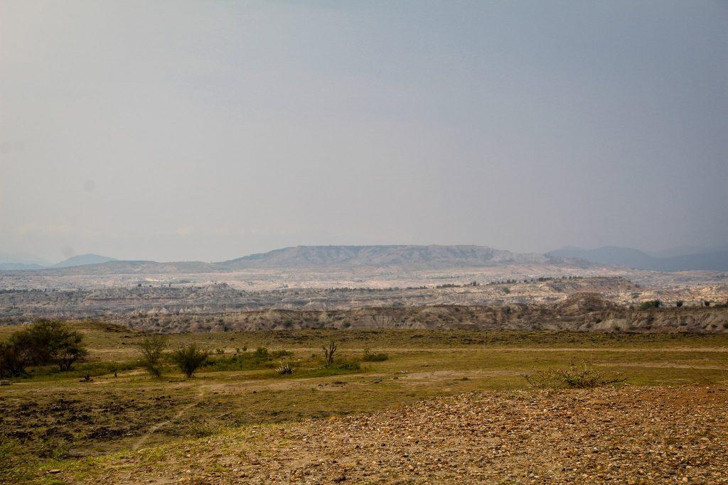 Deșertul gri, de departe