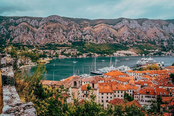 Frumoasele acoperișuri din Kotor