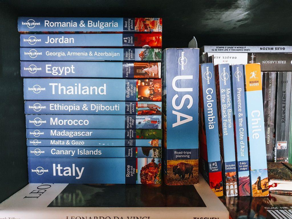 Colecția mea de ghiduri Lonely Planet