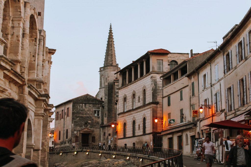 Urmele romanilor în Arles