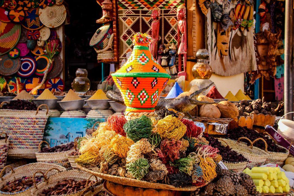 Lucruri colorate la bazar