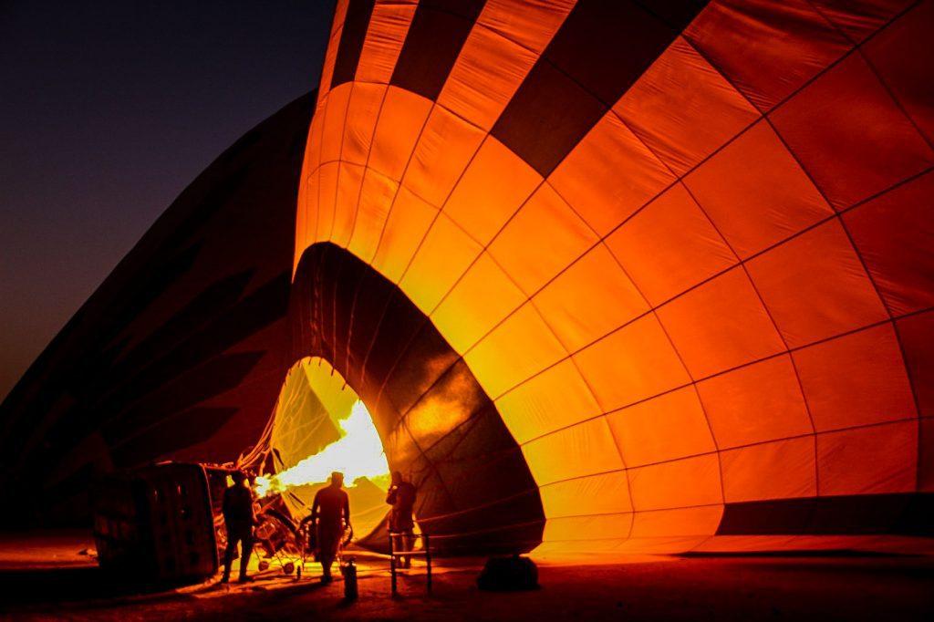 Pregătirea baloanelor dis-de-dimineață