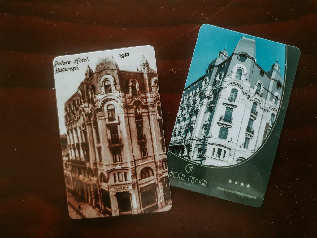 Cartelele de acces în camerele de la Hotel Cișmigiu