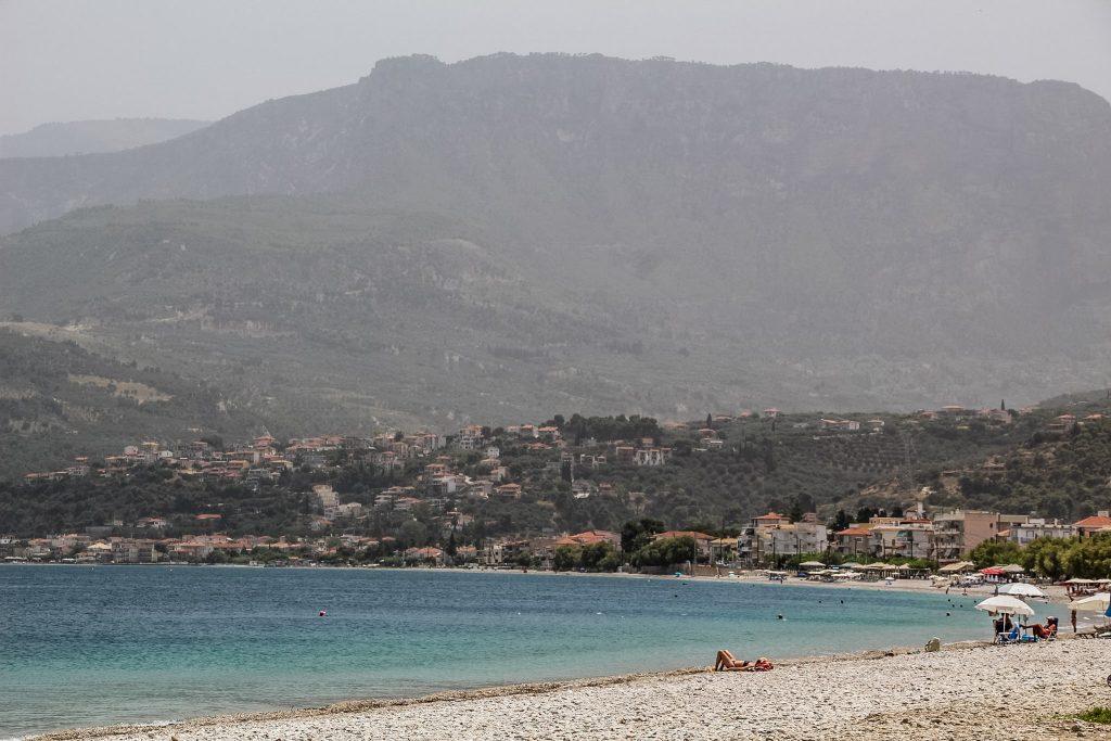 Plajă bună în Akrata